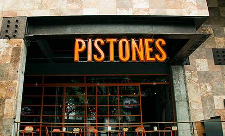 PISTONES FOOD & DRINK GARAGE 0