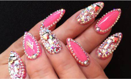 ALEJANDRA VILLAGOMEZ NAILS BOUTIQUE 4